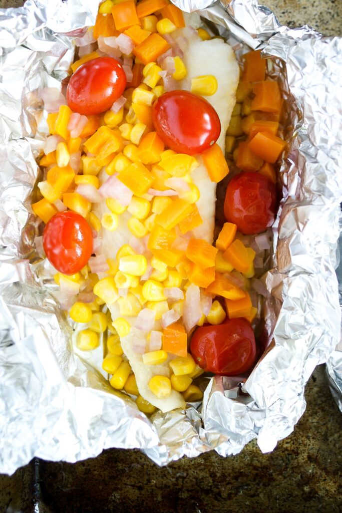 fish foil packets with tilapia and vegetables