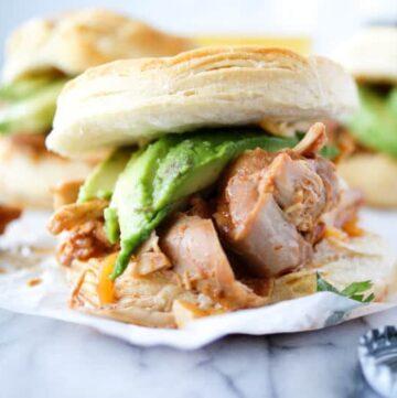 crock pot chipotle chicken sandwiches